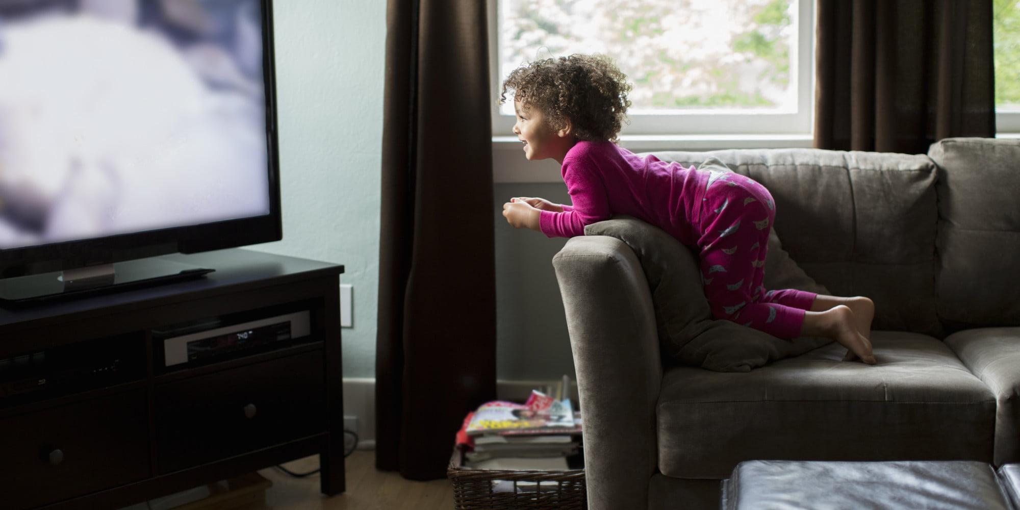 Copil la televizor Foto: quebec.huffingtonpost.ca