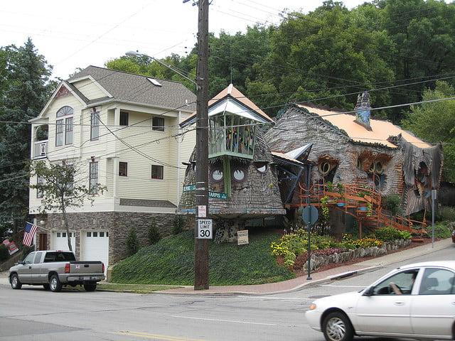 Mushroom House, Foto: strangebuildings.thegrumpyoldlimey.com