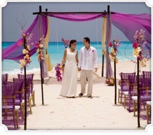 Altar-de-nunta-pe-plaja-300x265.jpg