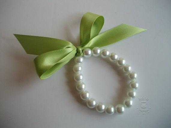 Bratara-de-perle-cu-fundita-verde