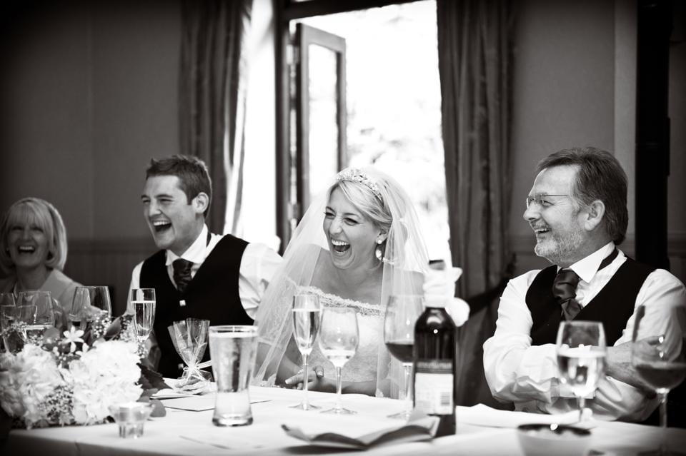 Cum sa scrii un discurs de nunta amuzant, Foto: weddingcardmessage.com