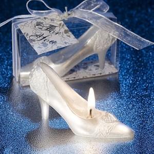 Marturii-de-nunta-sub-forma-de-pantofi.jpg