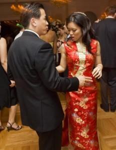 Mireasa-imbracata-in-cea-de-a-doua-tinuta-de-nunta-231x300.jpg