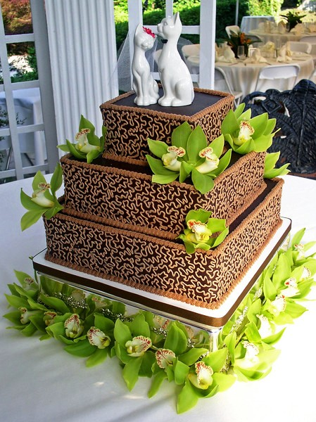 Tort-de-nunta-cu-design-modern