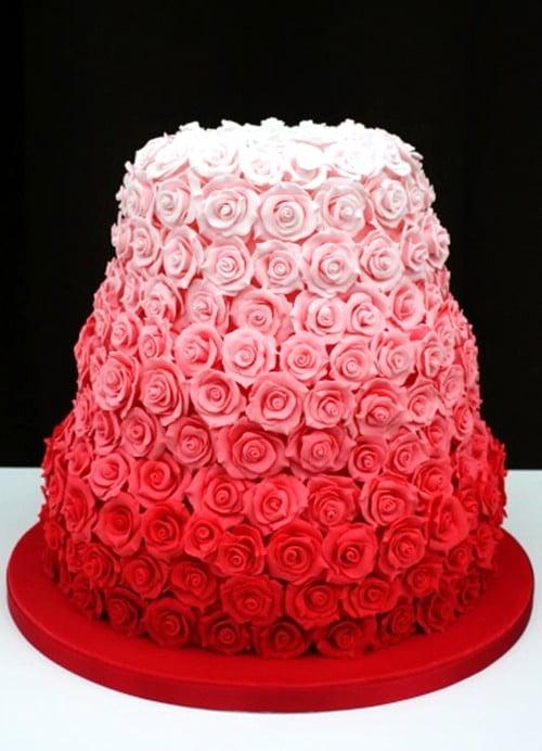 Tort-de-nunta-cu-trandafiri