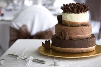 Tort-din-mai-multe-tipuri-de-ciocolata