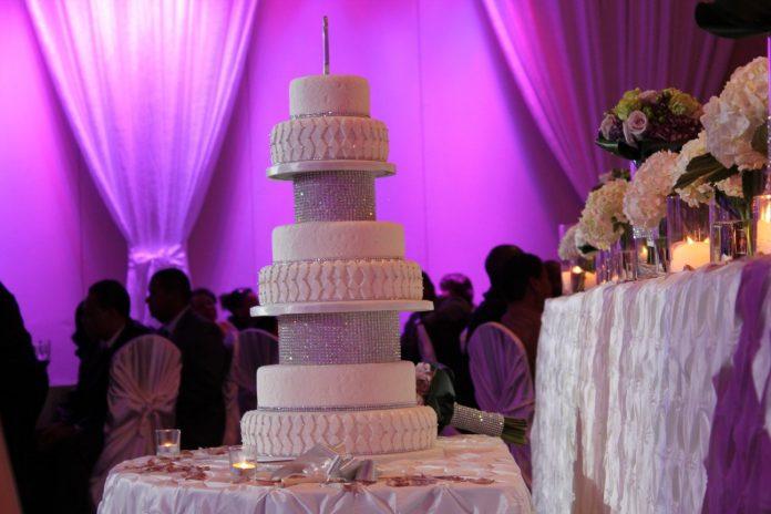 Tort de nunta Foto: imgkid.com