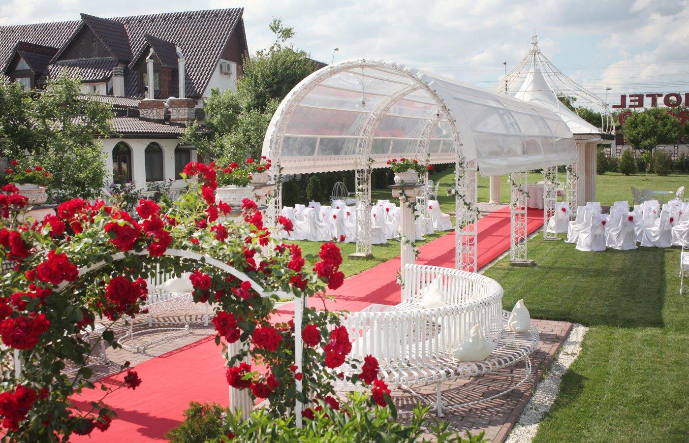Nunta in gradina Foto: hotelroco.ro