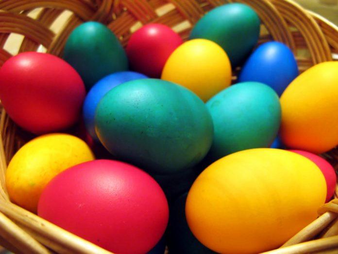 Cum vopsim ouale pentru Paste, Foto: artesanatosaprendaafazer.blogspot.com
