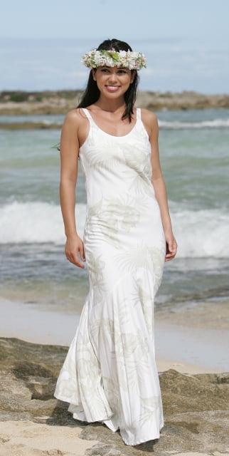 Rochie-simpla-pentru-o-nunta-pe-plaja