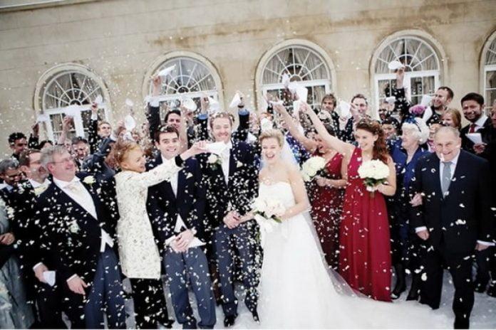 Rochii de mireasa pentru o nunta de Craciun, Foto: edgeandeleganceevents.com