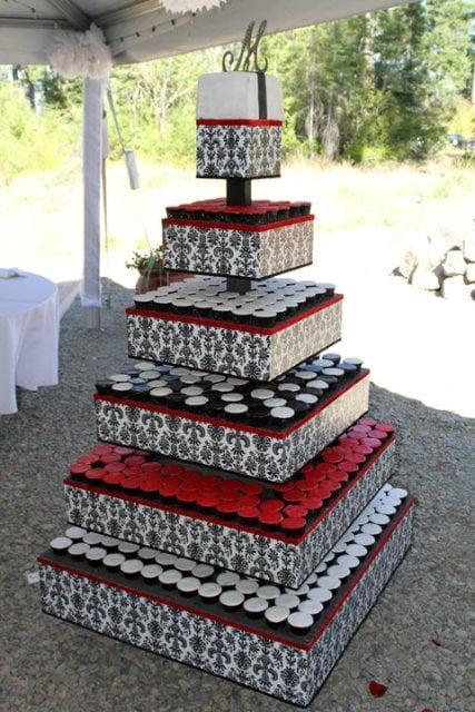 Tort-de-nunta-urias
