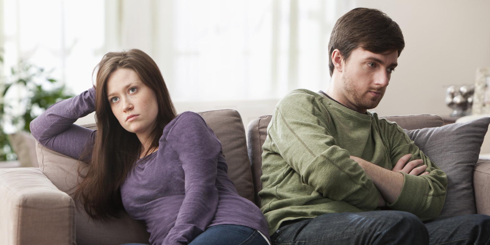 Cuplu se cearta Foto: www.huffingtonpost.com