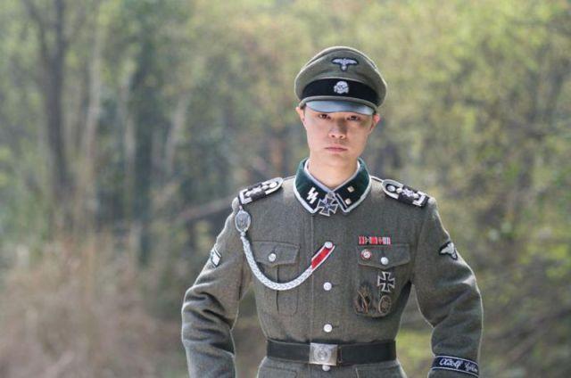 Nunta-asiatica-cu-tematica-nazista-3