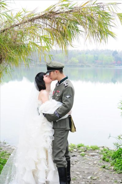 Nunta-asiatica-cu-tematica-nazista-7