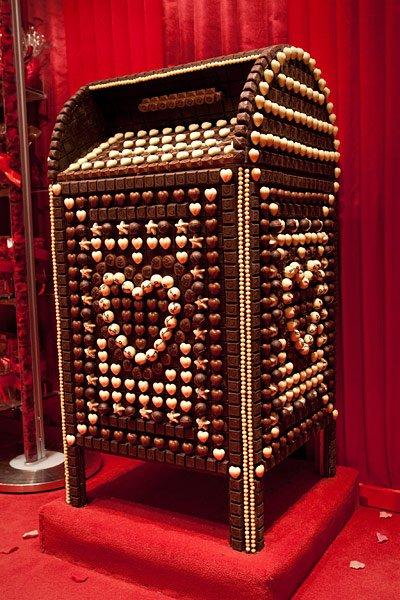 Cele-mai-tari-obiecte-din-ciocolata-14