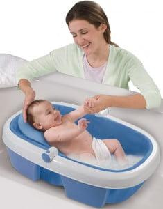 Cum facem baie bebelusului