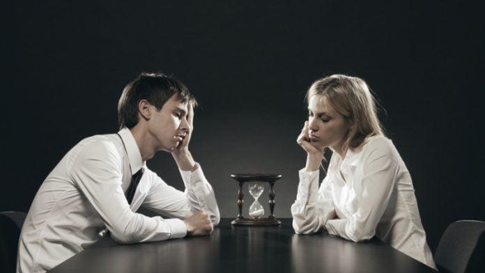 De ce apare plictiseala in cuplu, Foto: heartrelationships.com