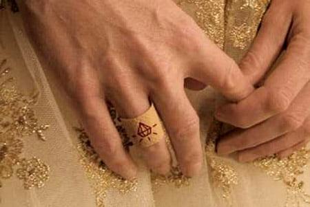 Cele-mai-neobisnuite-inele-de-logodna-3
