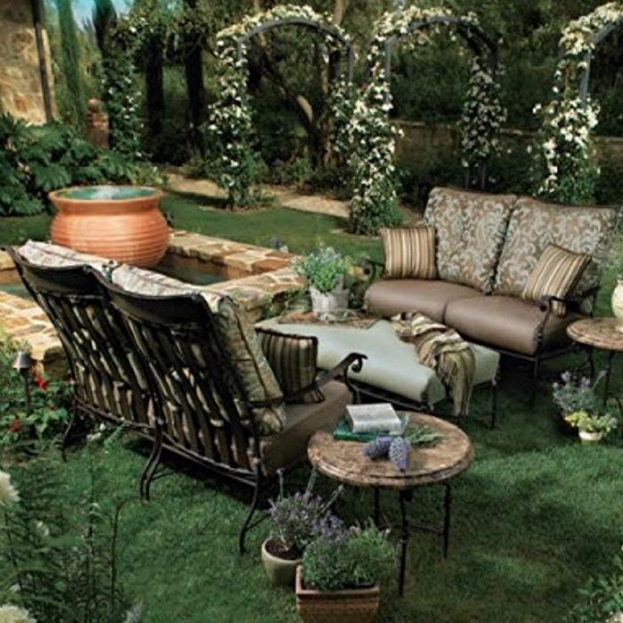 Amenajarea gradinii in stil rustic, Foto: leereplacementcushions.com