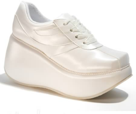 Cei-mai-neobisnuiti-pantofi-pentru-nunta-6