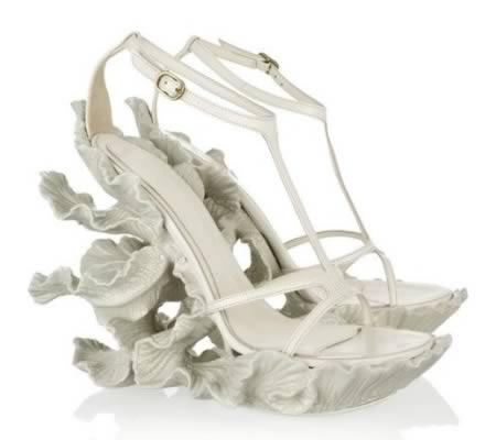 Cei-mai-neobisnuiti-pantofi-pentru-nunta-8