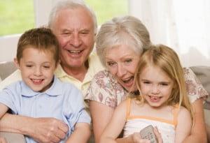 Copilaria in grija bunicilor