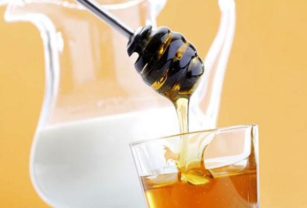 Lapte cu miere, Foto: usefulinfo008.blogspot.com