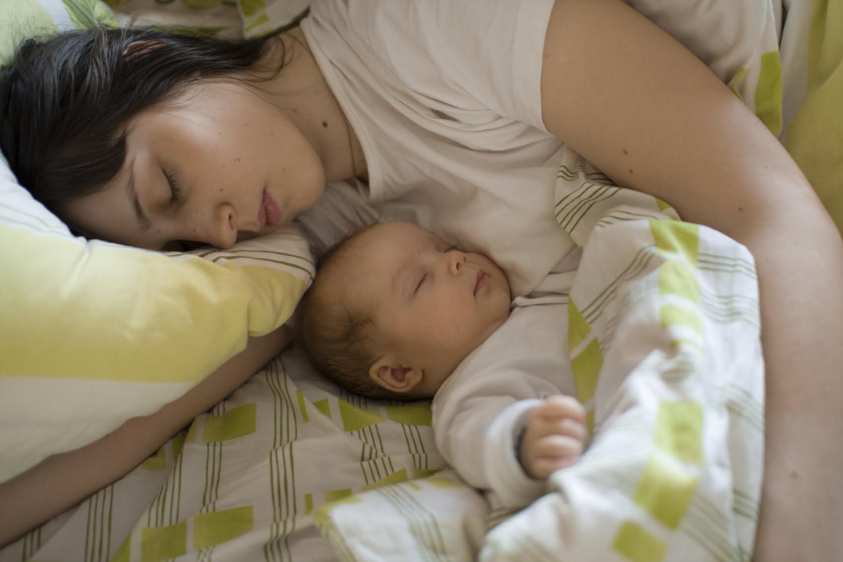 Bebelus cu mama, Foto: sterlingcare.com