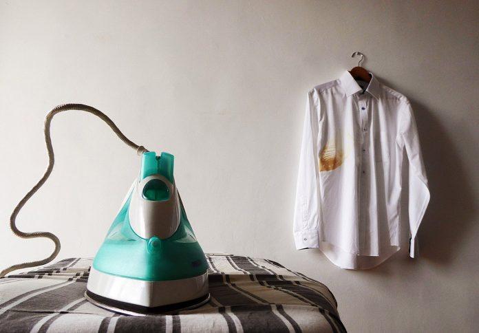 Cum să calci corect hainele în funcție de material pentru distrugerea microbilor