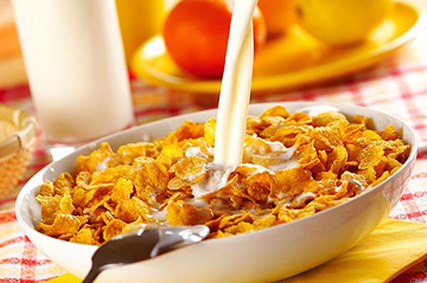 Картинки по запросу хлопья с молоком на завтрак