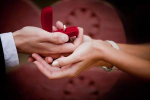 Cererea-in-casatorie-de-ziua-indragostitilor-300x200.jpg