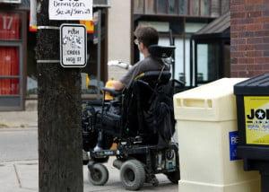 Persoana-cu-handicap-si-relatiile-300x214.jpg