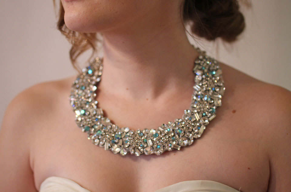 Sfaturi pentru a alege corect bijuteriile miresei, Foto: onewed.com