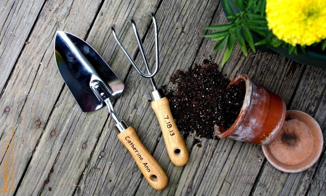 Top 10 cele mai folosite unelte de gradinarit, Foto: rusticcraftdesigns.com