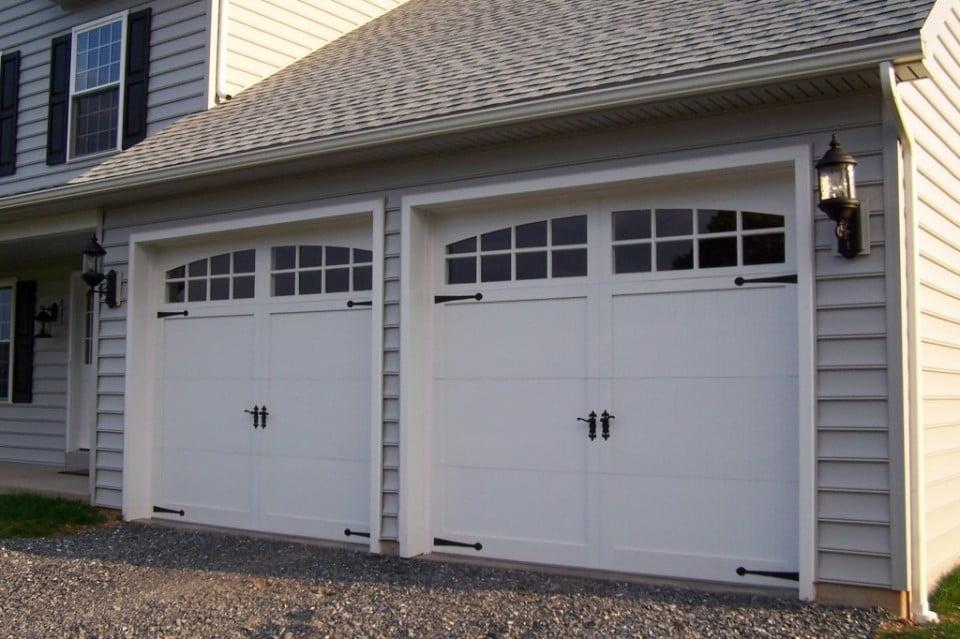 Cum alegi modelul potrivit de usa de garaj? Foto: targetgaragedoor.com