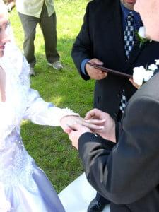 Esti-pregatit-pentru-casatorie-225x300.jpg