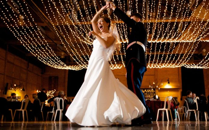 Top 10 cantece la nunti, Foto: woodlandsdancelessons.com