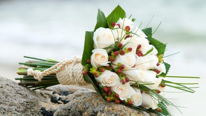 Cum sa realizati un buchet de mireasa cu flori din gradina, Foto: dinovios.wordpress.com