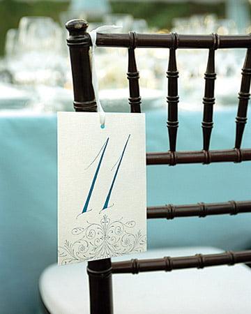 Numerotarea scaunelor la nunta Sursa foto: www.marthastewartweddings.com