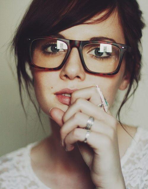 Mireasa cu ochelari geek Foto: holabolababes.blogspot.com