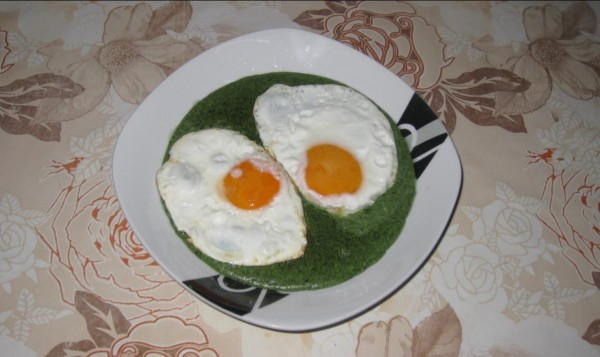 Spanac ardelenesc cu ochiuri de oua