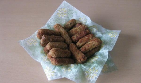 Crochete de vinete cu carne de porc, parmezan si pesmet