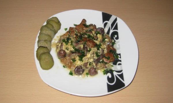 Mic dejun cu maruntaie de iepure si ou