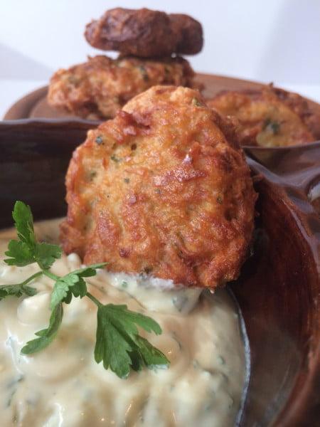 Rosti - Chiftele din cartofi cu sos de smantana
