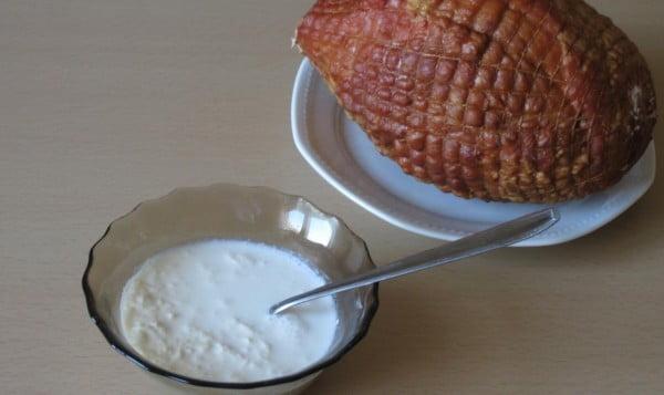 Salata de hrean cu smantana - o muratura pentru Paste