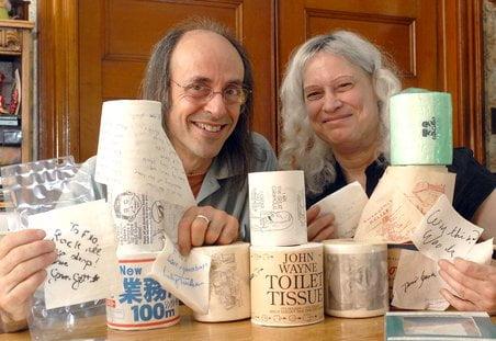 Colectionari de obiecte vechi si autografe - foto masslive.com