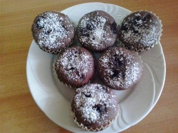 Muffin cu ciocolata si visine