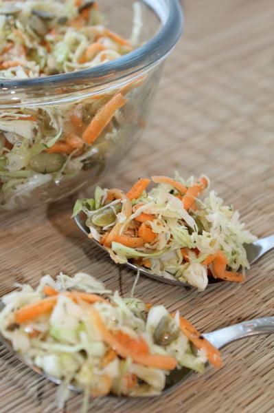 Salata de varza - ideala langa fripturi
