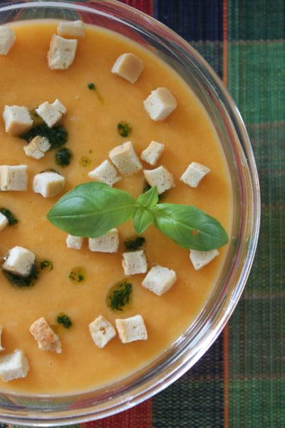 Supa crema de legume cu ulei aromat